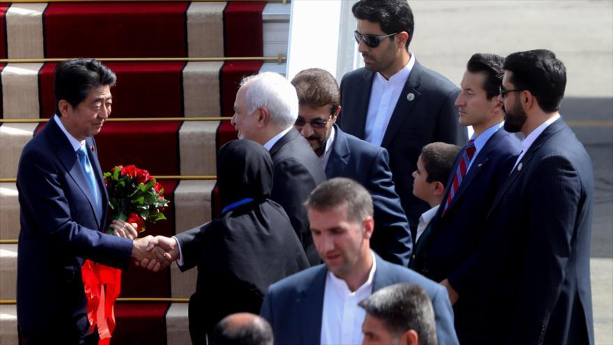 Llega a Teherán en visita oficial premier japonés Shinzo Abe
