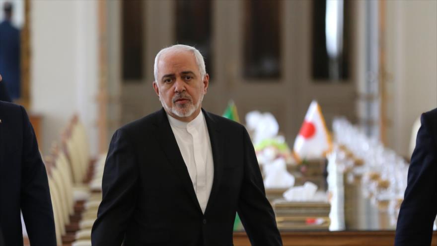 El canciller iraní, Mohamad Yavad Zarif, antes de reunirse con su homólogo japonés en Teherán, 12 de junio de 2019. (Foto: AFP)
