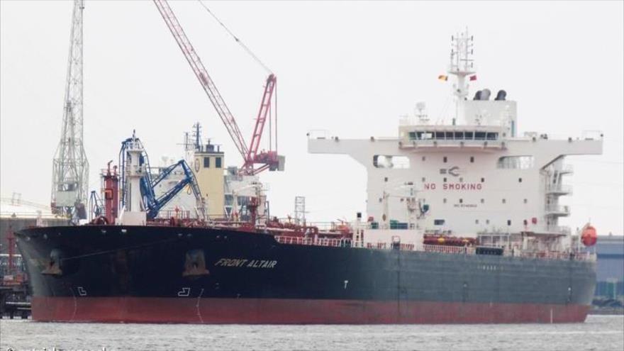El buque cisterna Front Altair, uno de los petroleros siniestrados en el mar de Omán.