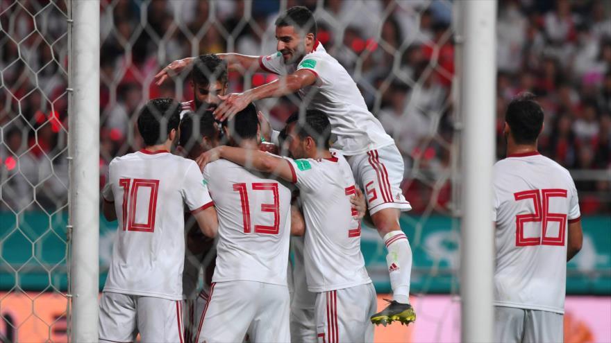 Los futbolistas del equipo nacional de Irán celebran su gol en un partido amistoso ante Corea del Sur, Seúl, 11 de junio de 2019. (Foto: AFP)
