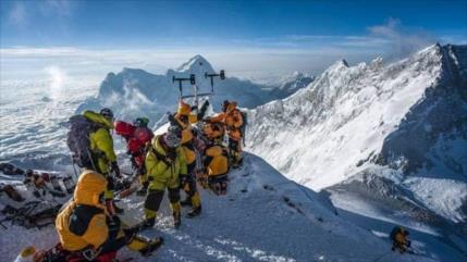 Montan en Everest estación meteorológica más alta del mundo