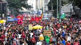 Millones de brasileños acatan huelga contra reformas de Bolsonaro