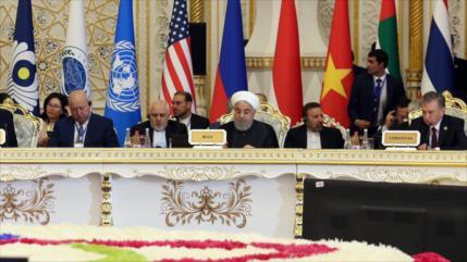 Rohani: Irán impidió la expansión del terrorismo en el mundo