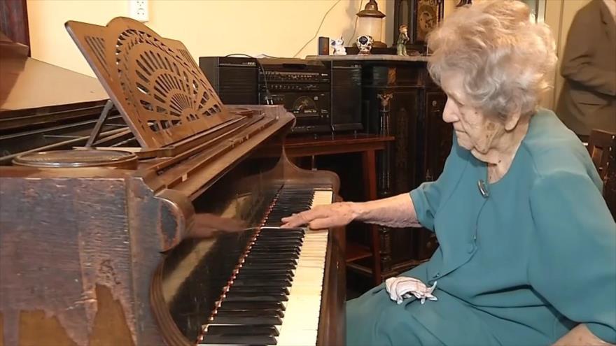 El Toque: Tetris, Robot pintor, Pianista de 108 años