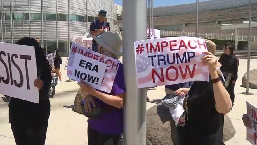 """Activistas en EEUU reclaman impeachment a Trump: """"Es un criminal"""""""