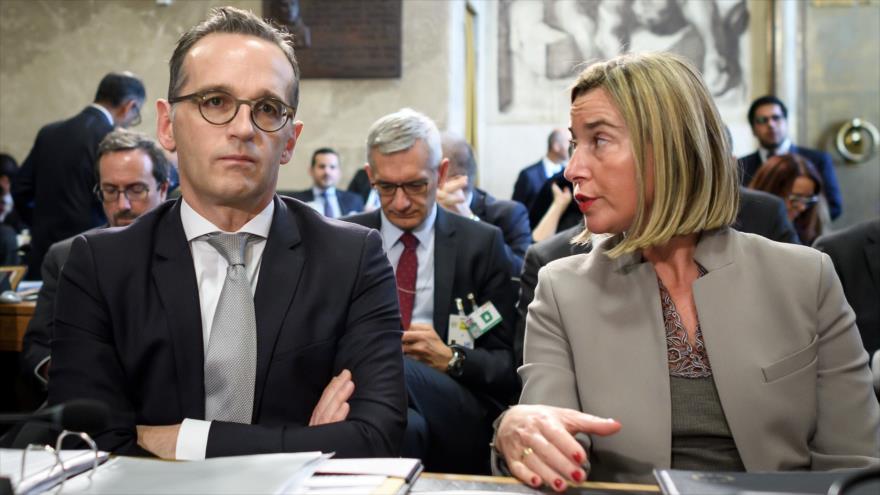 La jefa de la Diplomacia de la UE, Federica Mogherini, junto al canciller alemán, Heiko Maas, en una reunión en Ginebra, noviembre de 2018. (Foto: AFP)