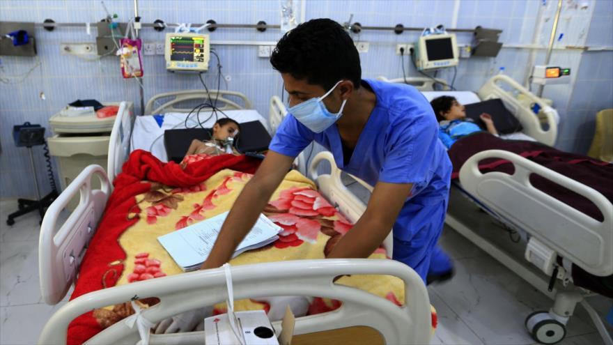 Niños yemeníes hospitalizados en Saná, la capital, 31 de octubre de 218. (Foto: AFP)