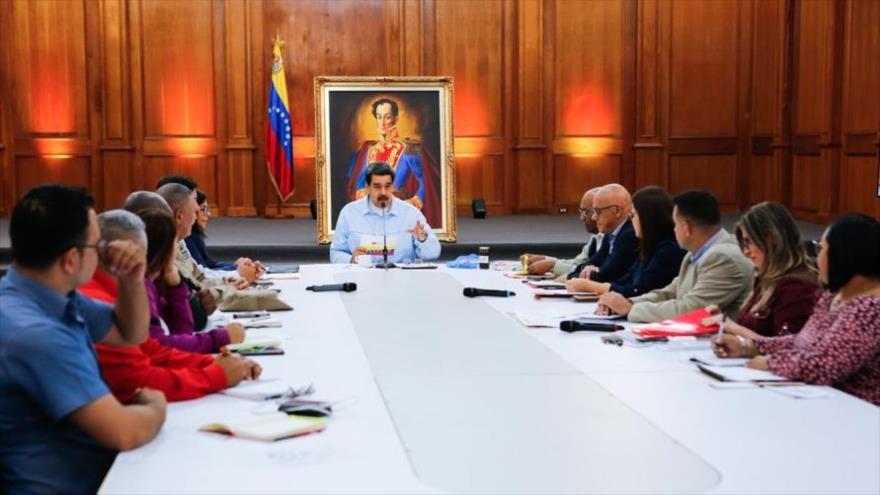 """Maduro tilda de """"robo humanitario"""" la malversación de fondos por Guaidó"""