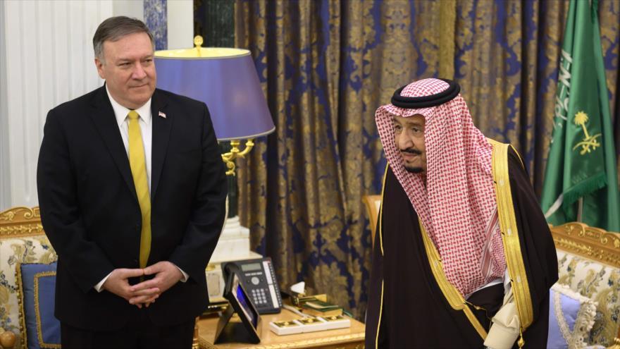 El secretario de Estado de EE.UU., Mike Pompeo, y el rey saudí, Salman bin Abdulaziz Al Saud, en Riad, capital de Arabia Saudí, 14 de enero de 2019. (Foto: AFP)