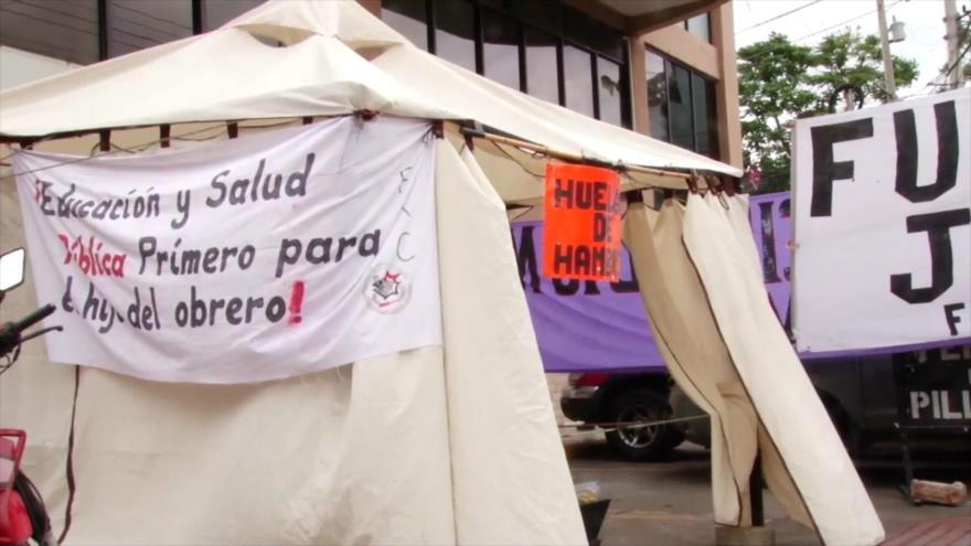 Maestros en huelga de hambre en Honduras denuncian ataques