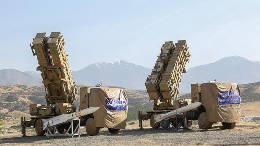 Sistemas de defensa aérea, modelo 15 de Jordad, de Irán, exibidos por el Ejército, 9 de junio de 2019. (Foto: Tasnim)