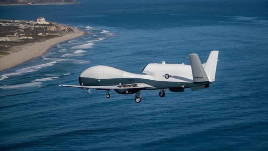El dron modelo MQ-4C Triton de la Marina estadounidense, modelo desarrollo del Northrop Grumman RQ-4 Global Hawk.