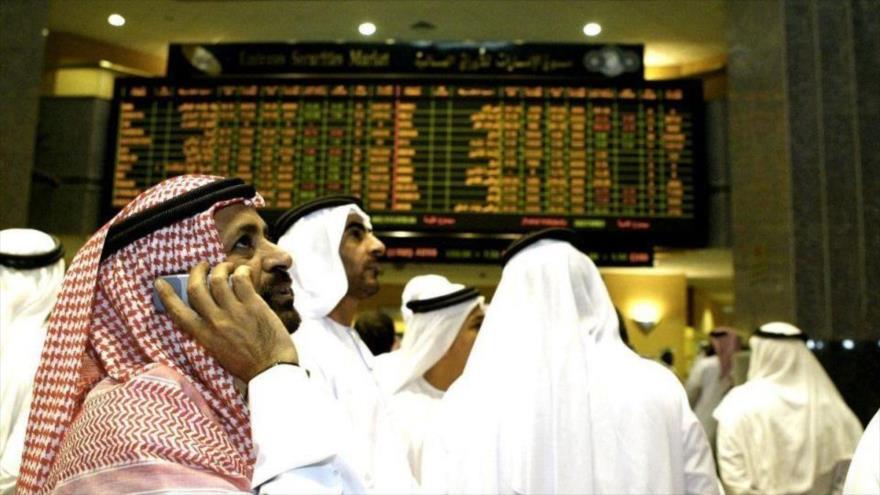 Un mercado de acciones en Abu Dabi, la capital emiratí.