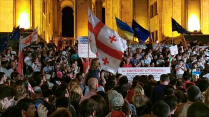 Vídeo: La policía reprime una marcha antigubernamental en Georgia