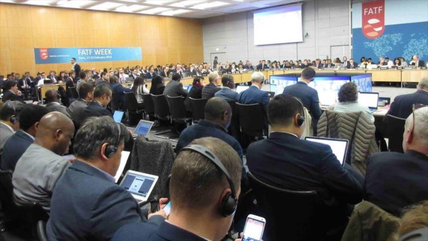 Una sesión del Grupo de Acción Financiera Internacional (GAFI o FATF, por sus siglas en inglés) celebrada en París (capital francesa), febrero de 2018.