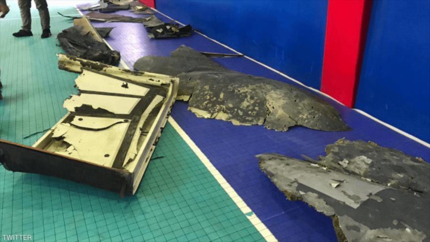 Restos del dron estadounidense RQ-4 Global Hawk derribado por Irán tras violar el espacio aéreo persa.