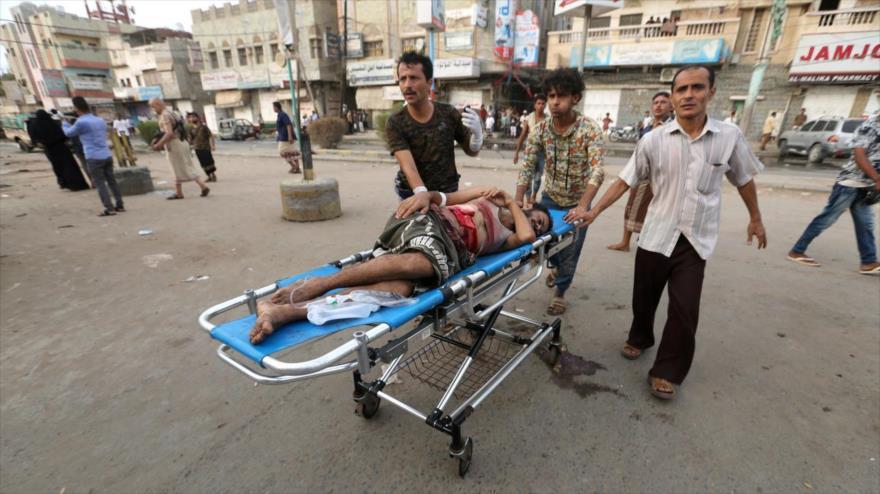 Hombre herido en un ataque aéreo saudí en la ciudad de Al-Hudayda (oeste de Yemen), 2 de agosto de 2018. (Foto: Reuters)