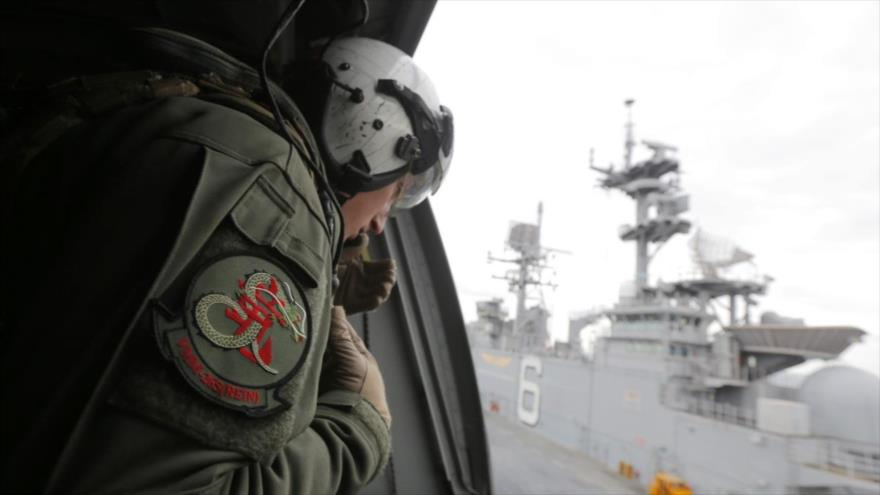 Un marine de EE.UU. a bordo del USS Bonhomme Richard (LHD 6) frente a la costa de Sídney, Australia, 29 de junio de 2017. (Foto: AFP)