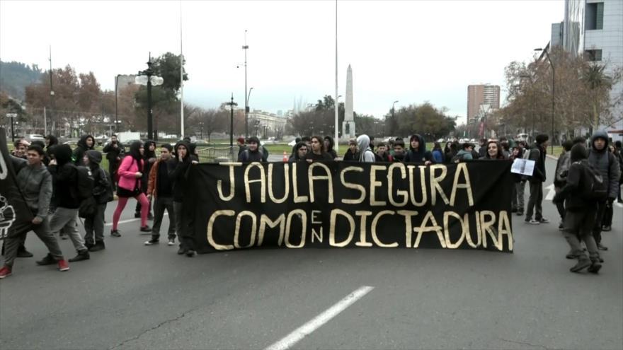 Marcha contra la represión acaba con más represión en Chile