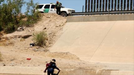 Hallan muertos a 3 niños y 1 mujer cerca de frontera de EEUU-México