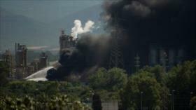 Conmovedor incendio en una planta petroquímica de Cádiz