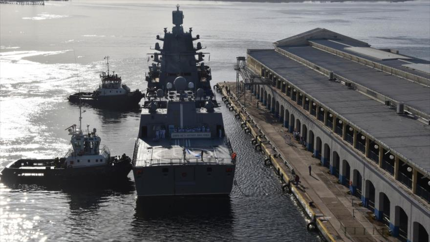 Admiral Gorshkov, la cabeza de una flota, llaga al puerto de La Habana, Cuba, 24 de junio de 2019. (Foto: AFP)