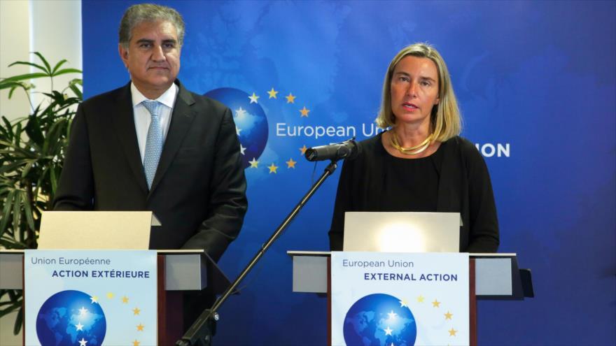 La jefa de la Diplomacia de la UE, Federica Mogherini, en una rueda de prensa conjunta con el canciller paquistaní, Makhdoom Shah Mahmood Quresh, en Bruselas, 25 de junio de 2019. (Foto: AFP)
