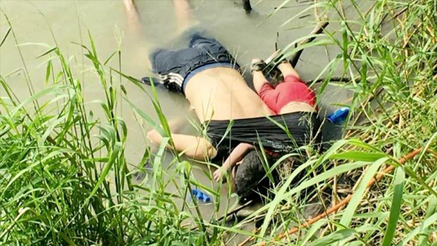 La foto de un migrante y su hija muertos conmociona al mundo