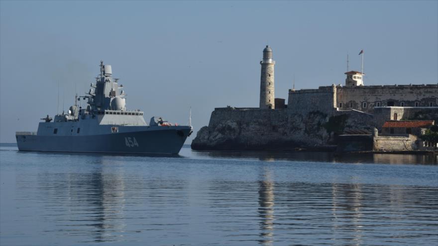 La fragata rusa Admiral Gorshkov llaga al puerto de La Habana, Cuba, 24 de junio de 2019. (Foto: AFP)