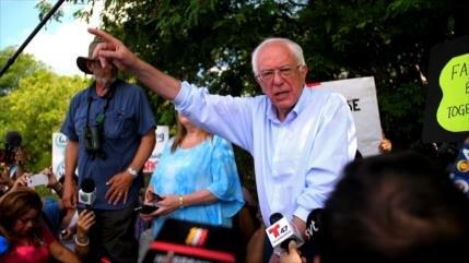Candidatos demócratas visitan campo de concentración infantil