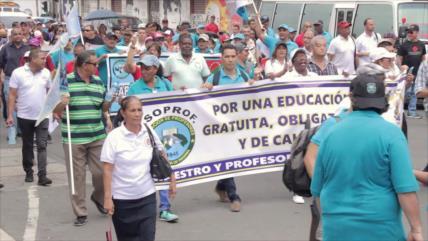 Docentes panameños marchan por mejoras al sistema educativo