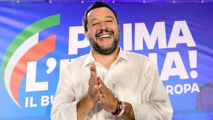"Salvini califica de ""criminal comportamiento"" de capitana Rackete"