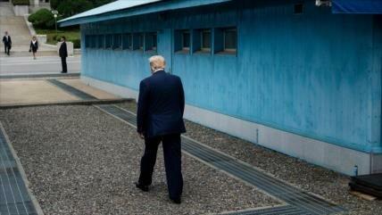 Trump es el primer presidente de EEUU que pisa suelo norcoreano