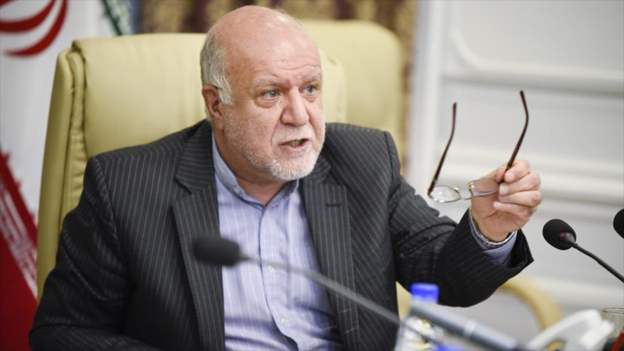 El ministro de Petróleo iraní, Biyan Namdar Zanganeh, en un encuentro. (Foto: Shana)