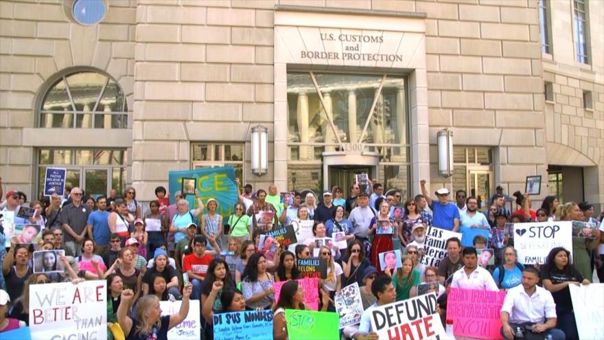 """Miles protestan en EEUU por trato """"inhumano"""" a inmigrantes"""