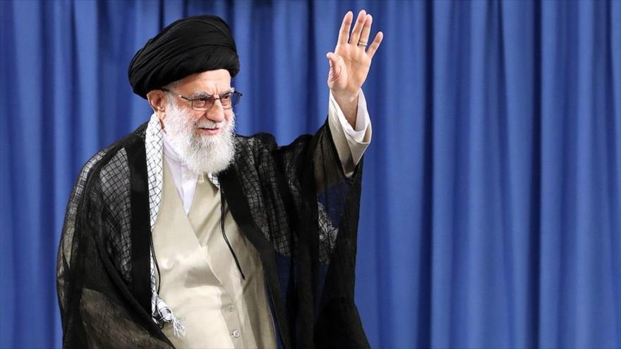 Líder iraní: Riad debe garantizar seguridad de peregrinos de Hach | HISPANTV