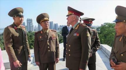 Rusia aboga por ampliar cooperación militar con Corea del Norte