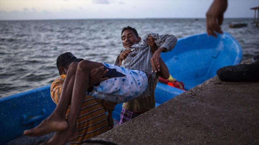 Rescatada una víctima de un naufragio ocurrió frente a Cayo Gorda, a unas 30 o 40 millas náuticas del cabo Gracias a Dios.