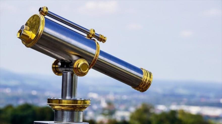 Científico mexicano encuentra solución a la aberración esférica en lentes ópticos.