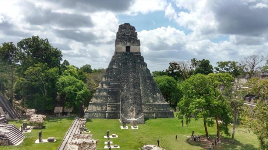 Tikal, uno de los mayores yacimientos arqueológicos y centros urbanos de la civilización maya precolombina.