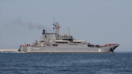 Rusia responde maniobras de OTAN con ejercicios en el mar Negro