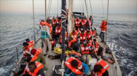 Otros dos barcos con migrantes ponen a prueba al Gobierno italiano