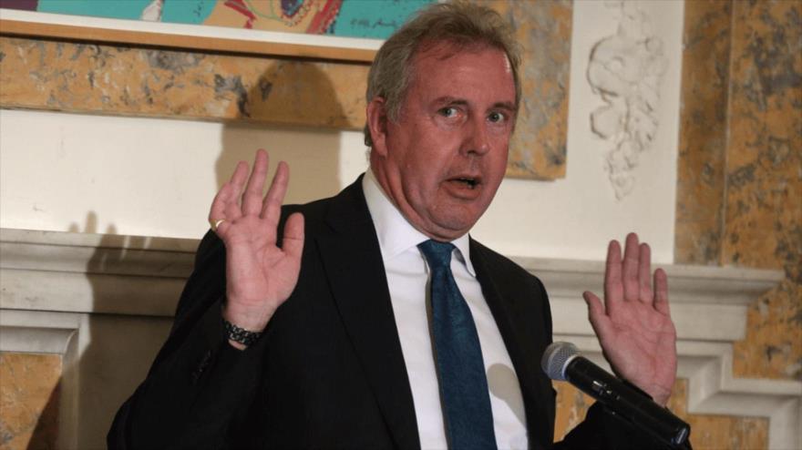 El embajador del Reino Unido en Washington, la capital de EE.UU., Kim Darroch, habla en una rueda de prensa.