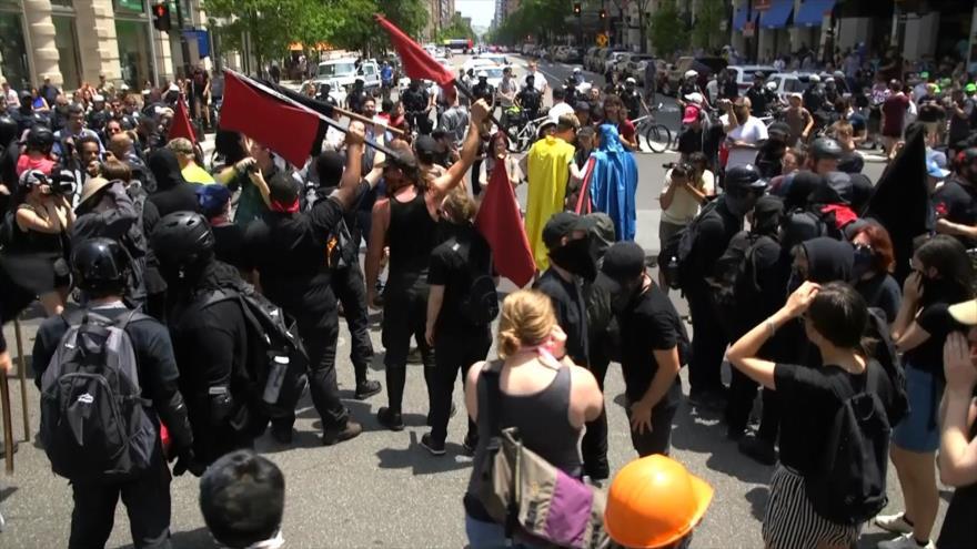 Choques en EEUU entre antifascistas y supremacistas blancos