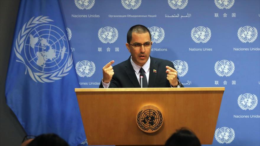 El canciller venezolano, Jorge Arreaza, en una rueda de prensa en la sede de la ONU, Nueva York (EE.UU.), 12 de febrero de 2019. (Foto: AFP)