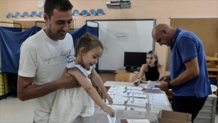 Griegos vuelven a las urnas con los conservadores como favoritos