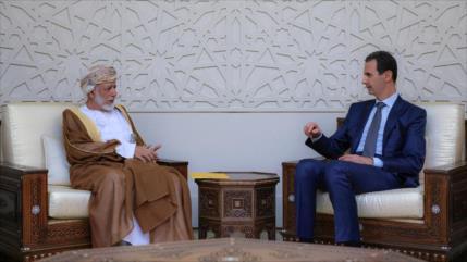 Al-Asad y el canciller omaní abordan desarrollo de la estabilidad