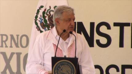 AMLO recorre territorio zapatista donde sufre problemas de sanidad
