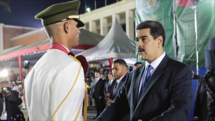 Maduro anuncia cambios parciales en mando militar venezolano