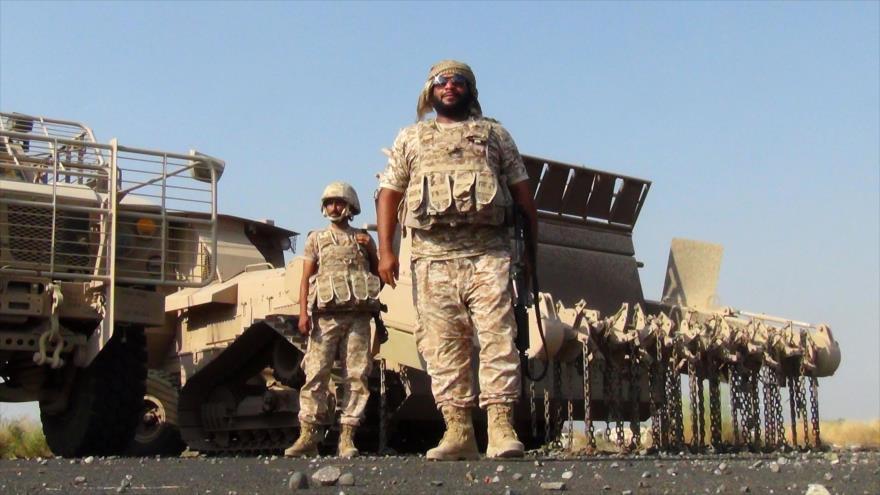 Soldados emiratíes en la base aérea de Al-Anad en el suroeste de la provincia yemení de Lahach, 4 de octubre de 2015. (Foto: AFP)